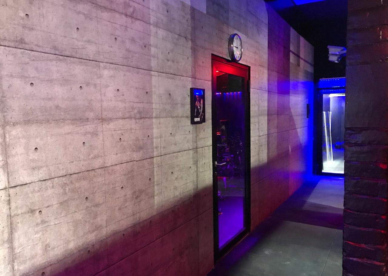Couloir accès studios O³ ZONE HIIT STUDIO